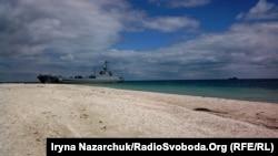 Средний десантный корабль «Юрий Олефиренко» на Тендровской косе (Херсонская область), июль 2017 года