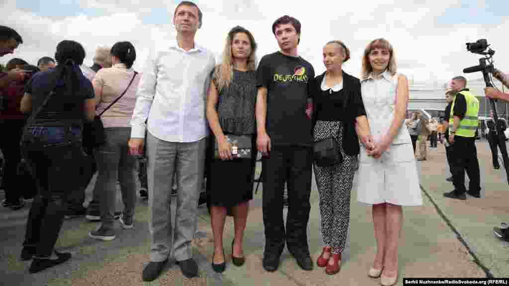 Перше сімейне фото Павла Гриба після повернення в Україну