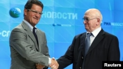 Фабио Капелло (слева) и вице-президент РФС Никита Симонян