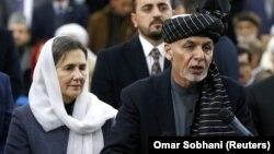 اشرف غنی رئیس جمهور افغانستان و بی بی گل بانوی نخست