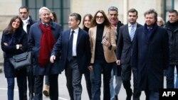 Дар интихобот ҳизби Саркозӣ пирӯз шуд