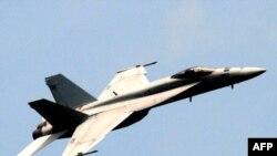 Aeroplan luftarak F-18