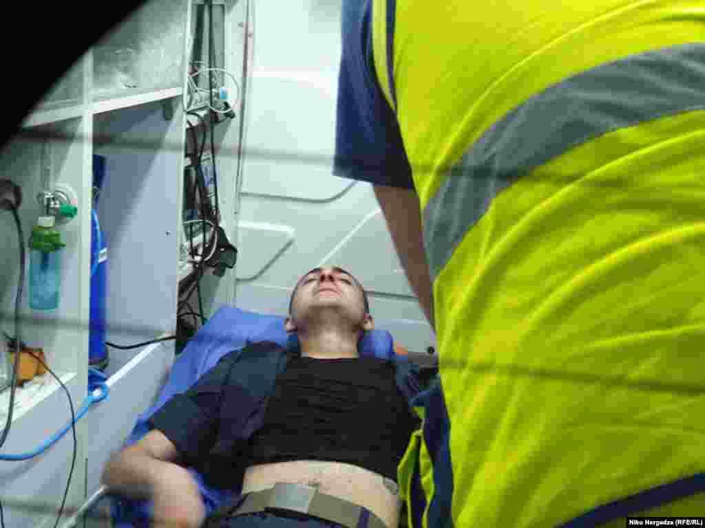 Сообщается о нескольких десятках пострадавших на акции протеста.
