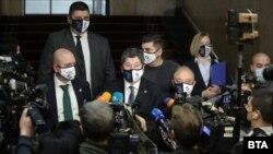 """Представители на """"Демократична България"""" след консултациите при президента Радев."""