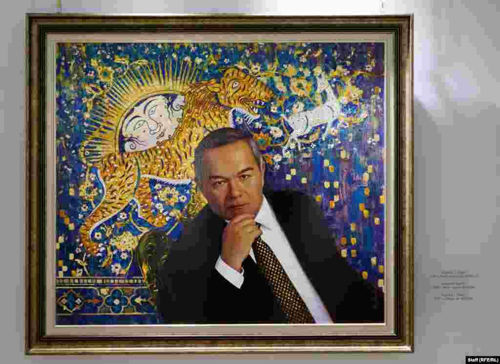 """Картина """"Взгляд"""" написана в 2017 году. Фоном выступает известный мотив мозаики комплекса """"Регистан"""" в Самарканде."""