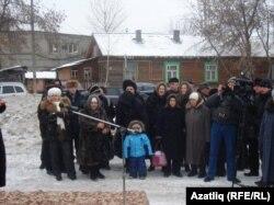 Мәчет төзеләсе урынга күбесенчә татарлар җыелды