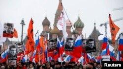 В марте 2015-го десятки тысяч москвичей потребовали раскрыть убийство Немцова