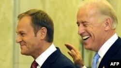 პოლონეთის პრემიერ-მინისტრი დონალდ ტუსკი და აშშ-ის ვიცე-პრეზიდენტი ჯო ბაიდენი
