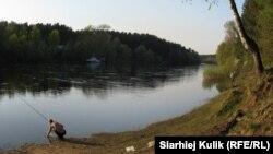 Толькі мая Беларусь. Першыя рыбаловы на Нёмане, травень 2013.