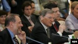 """""""Они серьезно говорят о том, что «Газпром» - это монополия, но теперь они говорят и о том, что необходимы долгосрочные контракты"""""""