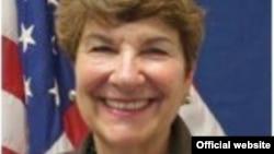 Спецпосланник госдепа США по международным вопросам, касающимся детей, Сьюзан Джекобс