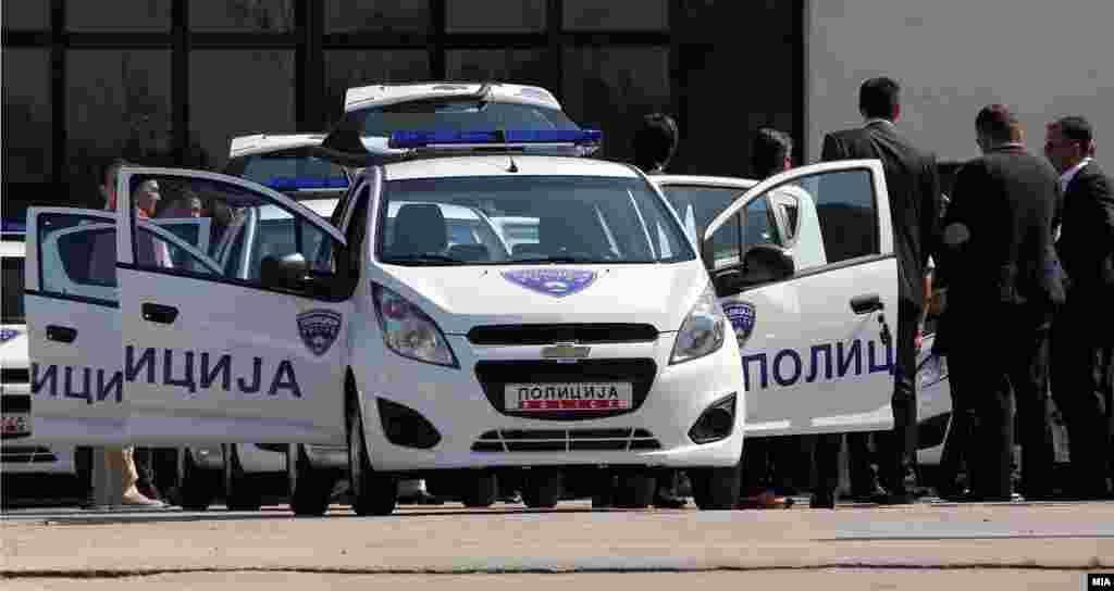 МАКЕДОНИЈА - На аеродромот Александар Велики во Скопје бил пронајден мртов 52-годишен британски државјанин, соопшти МВР, наведувајќи дека лицето кое не давало значи на живот било пронајдено од страна на обезбедувањето на аеродромот.