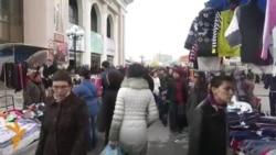 "OZOD-VIDEO: Ўзбекистонда яна ""диний либос бўлмаган"" рўмолга осилишмоқда"