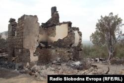 Shtëpi e djegur në Staro Nagoriçane. 5 gusht 2021.