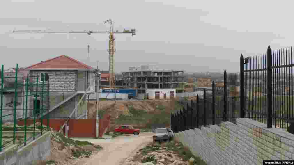 Строительство домов идет в районе садового товарищества «Сатурн»