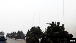 რუსეთის სამხედრო კოლონა ერგნეთთან. 2008 წლის აგვისტო.