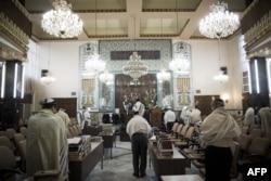 تصویری از یکی از کنیسههای یهودیان ایران