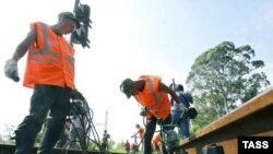 Глава Абхазской железной дороги Гурам Губаз сказал о том, что на ремонт, восстановление этого сквозного сообщения потребуется как минимум два года