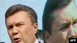 Говорит и показывает Янукович