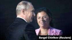 Маргарита Симоньян и президент России Владимир Путин. Архивное фото