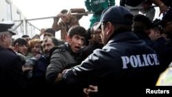 Илустративна фотографија: мигранти во Грција.