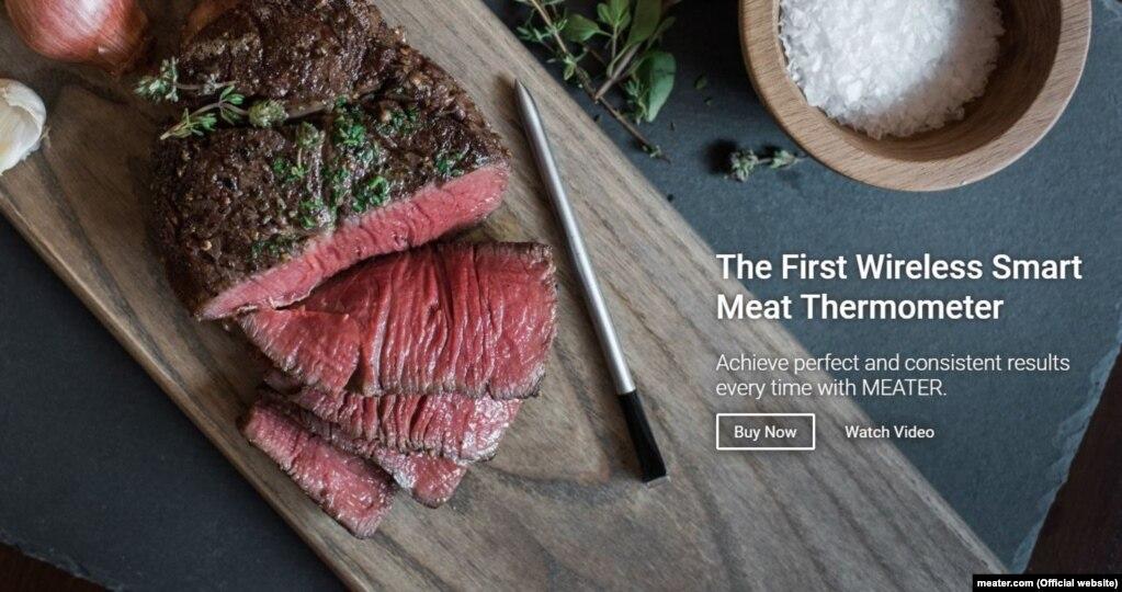 Безпровідний термометр для м'яса The Meater – новий термометр для м'яса, який дозволяє суттєво знизити кількість перевірок ступені готовності страви. Розміром із олівець, цей девайс пропонує користувачеві стежити за приготуванням м'яса через мобільний додаток за допомогою Bluetooth або Wi-Fi.