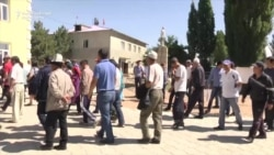 Kyrgyz Coal Miners Demand Back Pay