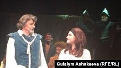 Лэйн Дэвис в мюзикле «Мужчина из Ла Манча»