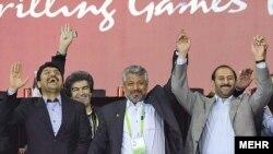علی سعیدلو و محمد علیآبادی (دو نفر اول از راست) در مراسم مسابقات گوآنگژو