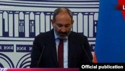 Премьер-министр Армении Никол Пашинян на пресс-конференции. Ереван, 10 июля 2019 г.