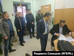 """Обыск в псковском отделении партии """"Яблоко"""""""