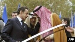 سارکوزی می گوید که نقش عربستان سعودی در صلح در منطقه بسيار اساسی و ضروری است.