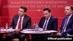 Архивска фотографија: Премиерот Зоран Заев, министерот за надворешни работи Бујар Османи и министерот за внатрешни работи Оливер Спасовски