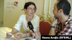 Miroslava Andrić u razgovoru sa novinarom RSE Zoranom Glavonjićem