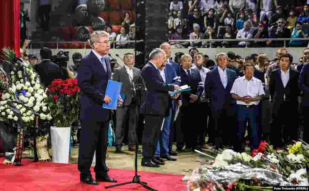 Министр культуры и спорта Казахстана Арыстанбек Мухамедиулы во время прощальной речи.