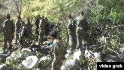 Сотрудники МВД Таджикистана в Ромитском ущелье, где ведется операция по поиску бывшего заместителя министра обороны Назарзоды и его сторонников. 7 сентября 2015 года.