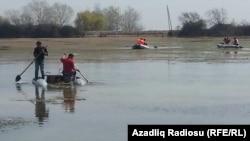 Поиски утонувшего в озере Серкерли. Хачмаз. Азербайджан. 5 апреля 2013