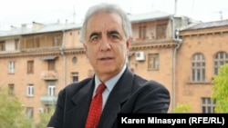 Armenia - Harut Sassounian, Publisher of The California Courier weekly newspaper, in Yerevan,Oct2012
