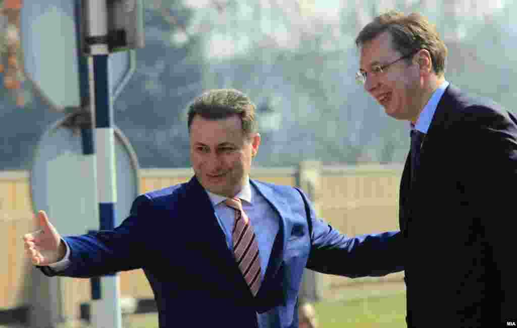МАКЕДОНИЈА - Опозициското Движење на слободни граѓани ја праша српската власт каква улога имала во бегството на поранешниот македонски премиер Никола Груевски во Унгарија и дали е точно дека претседателот Александар Вучиќ незаконски и наредил на Безбедносно-информативната агенција (БИА) тајно да го прифати Груевски и да го спроведе низ Србија, затоа што, како што наведуваат, сака да создаде пракса која утре и нему ќе му треба.