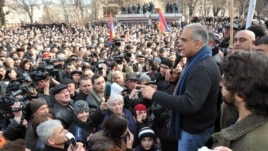 Armenia - Opposition leader Raffi Hovannisian addresses supporters in Vanadzor, 23Feb2013.