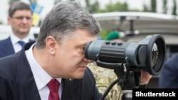 Петр Порошенко проверяет на месте боеготовность украинской погранохраны. 28 мая 2015 года