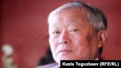 Бизнесмен Владимира Нидің жерлеуі кезінде қойылған портреті. Алматы, 12 қыркүйек 2010 жыл.