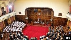 Под угрозой роспуска только что избранного парламента сербским политикам все-таки удалось нащупать компромисс