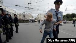 Задержание несовершеннолетнего участника митинга в Санкт-Петербурге, 9 сентября 2018 г.