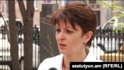 Գայանե Առուստամյանը հարցազրույց է տալիս «Ազատություն» ռադիոկայանին, Երեւան, 16-ը ապրիլի, 2012թ.