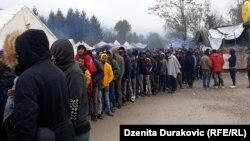 Kampi i migrantëve në Vuçjak