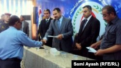 تعويض المتضررين من الارهاب والاخطاء العسكرية في ديوان محافظة ديالى