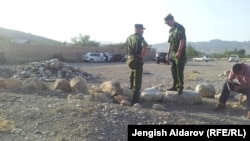 Пограничники на границе Кыргызстана и Таджикистана. 6 июля 2015 года.