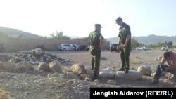 Пограничники на кыргызско-таджикской границе. Иллюстративное фото.