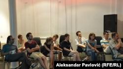 Publika na debati u Rexu